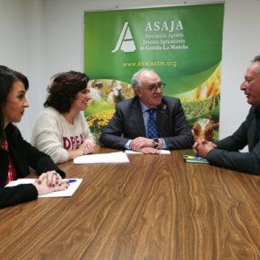 Ciudadanos y ASAJA C-LM se reúnen buscar soluciones a los problemas del sector de los frutos secos