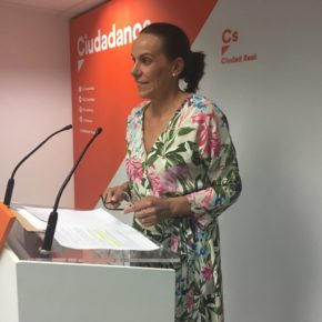 """Eva María Masías: """"El acuerdo contempla 42 puntos que pretenden cambiar la ciudad y que tenía como objetivo frenar al populismo en las Instituciones"""""""