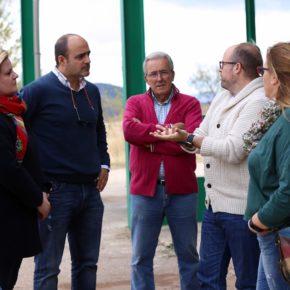 """Candidatos al Congreso y al Senado de Cs Ciudad Real visitan la cooperativa """"San Isidro Labrador"""" de Villanueva de la Fuente"""